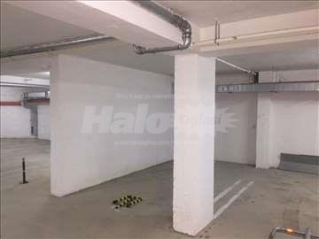 Izdajem Podzemnu Garažu u Centru Kragujevca