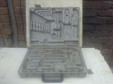 Plasticna kutija za alat