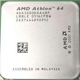 Procesor + matična ploča + memorija  + Monitor