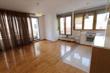 Izuzetan stan za PP, nova zgrada, garaža! ID 6828