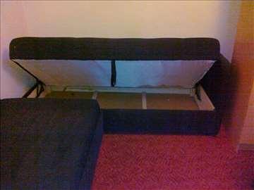 Prodajem 2 kauča na rasklapanje klik-klak federi