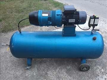 Industrijski (VIJČANI) rotacioni kompresor HV02