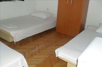 Crna Gora, Budva. Izdaja soba na duž i period