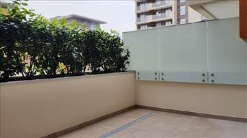A blok,dva stana, 2 garaže, ID S6394