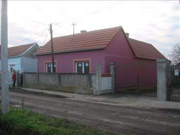 Prodajem kuću