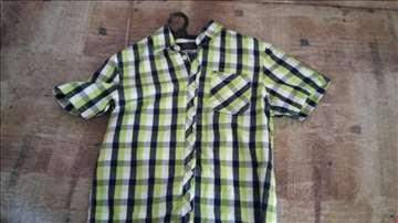 Tri dečije košulje