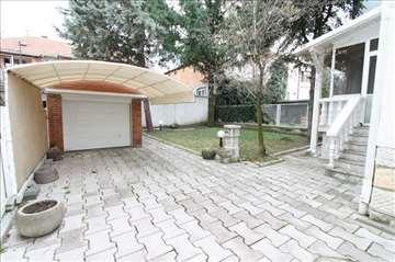 Lepa kuća sa dvorištem! ID 5948
