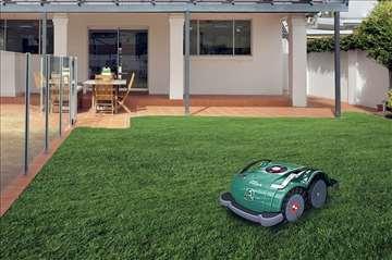 Kosačica robot za dvorišta
