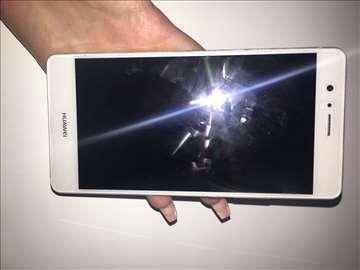 Na prodaju Huawei P9