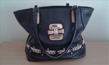 Guess crna tasna original