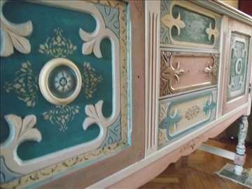 Dekorativna komoda