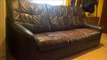 Kožna garnitura - trosed, dvosed i fotelja