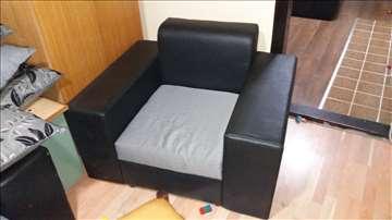 Ugaona garnitura i fotelja