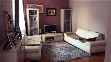 Prodajem stan u Gospodara Vučića, 76 m2, 2.5, CG