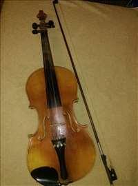Violina stara preko 120 godina