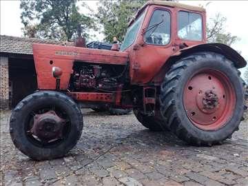 Prodajem traktor Belarus 52 Super