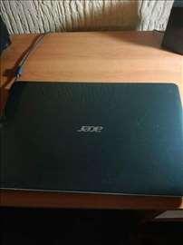 Acer laptop u fenomenalnom stanju