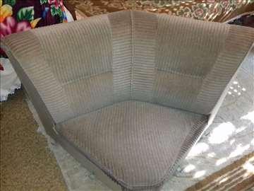 Ugaona garnitura sa foteljom