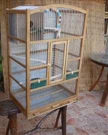 Kavez za papagaja sa kucicom