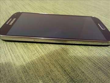 Samsung S4 u perfektnom stanju