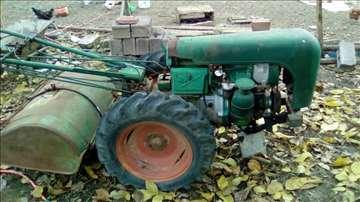 Prodajem traktor, frezu, kultivator