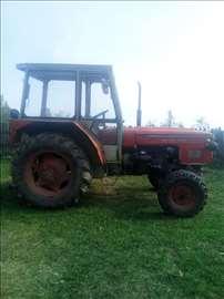Prodajem traktor Zetor 6711