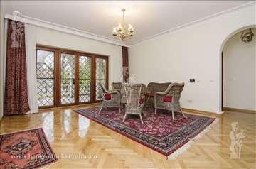 Udobna kuća 320m2 /Dedinje /3500€ ID#1627