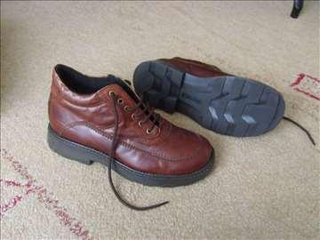 Zimske cipele broj 43 (novo)