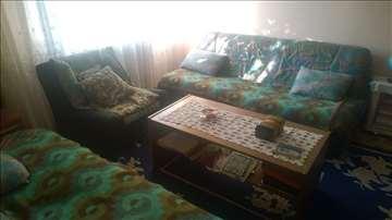 Dva kauca i fotelja
