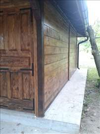 Brvnare vajati kuće od drveta
