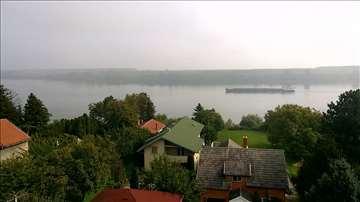 Luksuzan  stan sa pogledom na Dunav