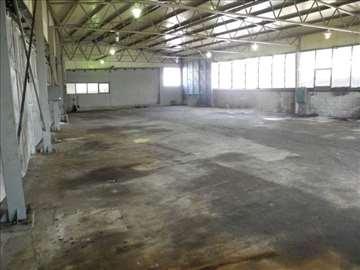 Proizvodni objekat / magacin u industrijskoj zoni