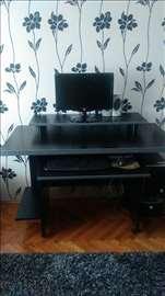 Prelep radni sto