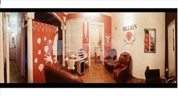 Izdajem salonski prostor za ordinaciju ili salon