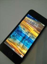 Prodajem odlican iphone 5, 16gb. star godinu dana
