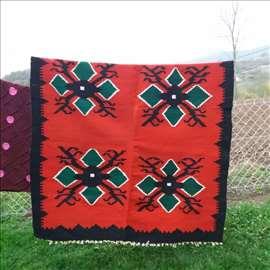 Gružanski, vuneni, ručno tkani ćilimi