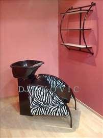 Samponjera sa keramickim lavaboom