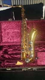 Prodajem hitno saksofon!