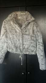 Ženska bunda kratka sive boje, uvoz iz Grčke