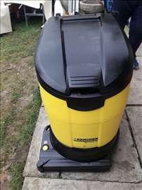 Mašina za pranje podova Karcher