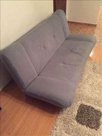 2 očuvana kauča