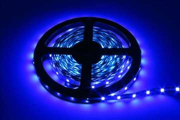 Plava LED traka , 5 metara, 12v - NOVO