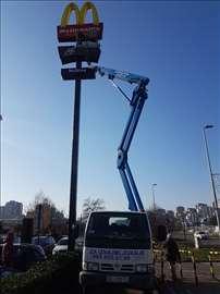 Najam/iznajmljivanje kamion sa korpom/platformom