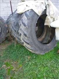 Gume za traktor 42