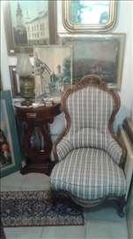 Neobarokna fotelja