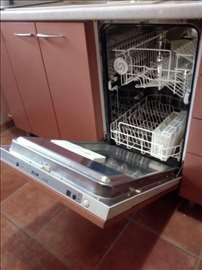 Ugradna mašina za pranje posuđa