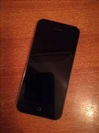Prodajem iPhone 5 polovan