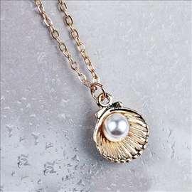 Školjka i biser - ogrlica sa priveskom - zlatna