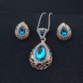 Swarovski set nakita - ogrlica i minđuše! Extra!