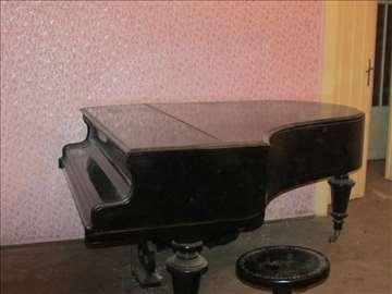 Koncertni Klavir Vinc.Oeser Wien star preko 100god